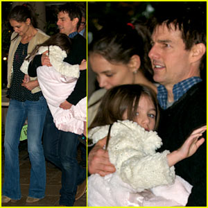 Tom Cruise & Katie Holmes: Family Dinner with Suri & Connor!