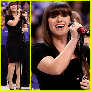 Kelly Clarkson: Super Bowl National Anthem!