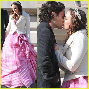 Leighton Meester & Penn Badgley: Kiss Kiss!