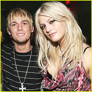 Aaron Carter Reacts to Sister Leslie's Death