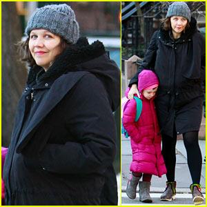 Maggie Gyllenhaal: Morning Walk with Ramona!