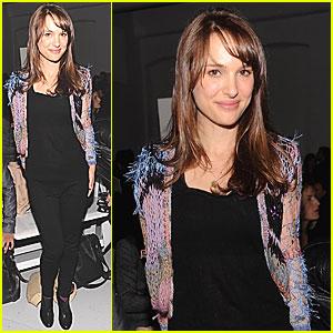 Natalie Portman: Rodarte Fashion Presentation!