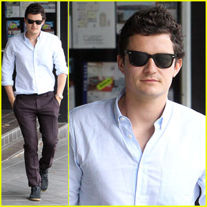 Orlando Bloom Hits Queen Street in Sydney