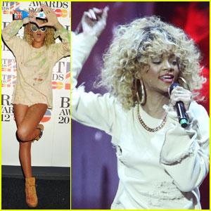 Rihanna's Brit Awards 2012 Performance - Watch Now!