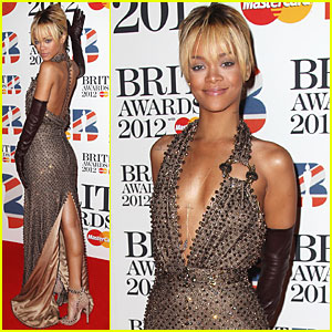 Rihanna - Brit Awards 2012 Red Carpet