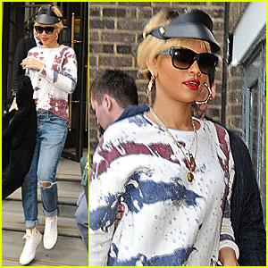 Rihanna: 'Esquire UK' Cover Preview!