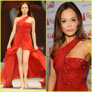Rose McGowan: Heart Truth Red Dress Fashion Show!
