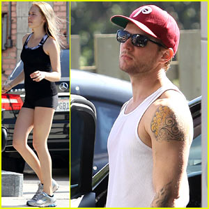 Ryan Phillippe: Gym with a Female Pal!