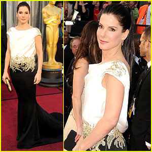 Sandra Bullock - Oscars 2012 Red Carpet