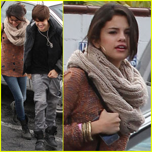 Selena Gomez & Justin Bieber Head to IHOP