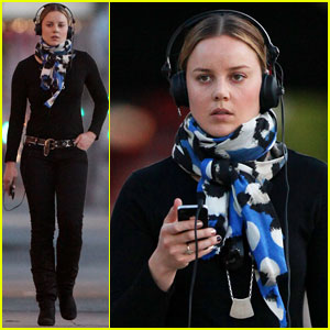 Abbie Cornish Heads Out With Her Headphones