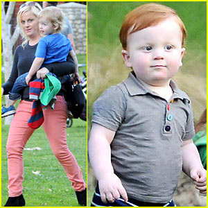 Amy Poehler & Will Arnett: Park Playtime with Archie & Abel!