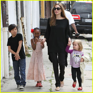 Angelina Jolie: New Orleans with the Family!