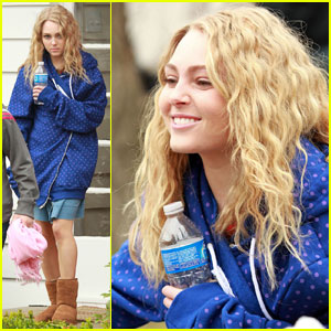AnnaSophia Robb as Young Carrie Bradshaw - First Look!