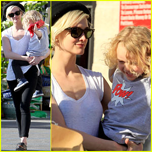Ashlee Simpson & Bronx: Friday Shopping Fun!