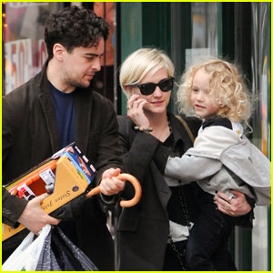 Ashlee Simpson: Shopping With Bronx & Vincent