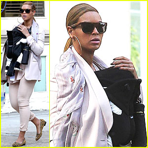 Beyonce & Blue Ivy Carter: Out for a Walk in NYC