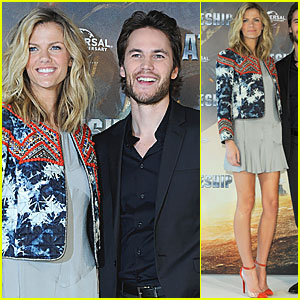 Brooklyn Decker: 'Battleship' in Hamburg with Taylor Kitsch!
