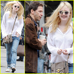 Dakota Fanning 'Excited' to See 'Breaking Dawn - Part 2'