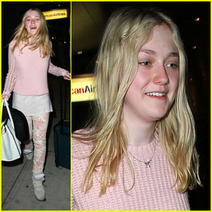 Dakota Fanning: Makeup Free Flight