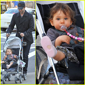 David Schwimmer: Out With Baby Cleo!