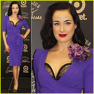 afc6368f8994 Dita Von Teese strikes a pose for her Von Follies by Dita Von Teese  lingerie line photo call on Friday (March 9) in Melbourne
