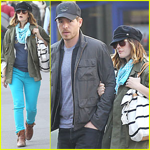 Drew Barrymore: Turquoise Trousers in Paris