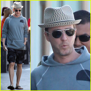 Edward Norton: Saturday Stroll