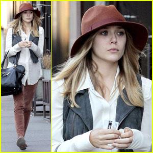 Elizabeth Olsen: Subway Stop