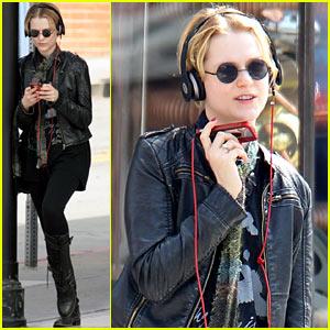 Evan Rachel Wood: Jammin' In Santa Monica!