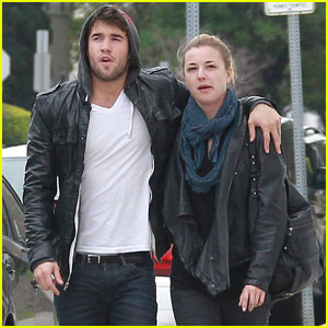 Emily VanCamp: St. Patrick's Day Stroll with Josh Bowman!