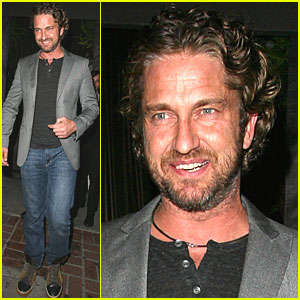 Gerard Butler Smiles at Sur Lounge