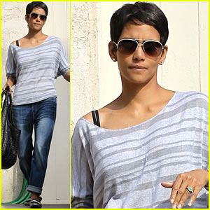 Halle Berry Flashes Her Engagement Ring In Studio City