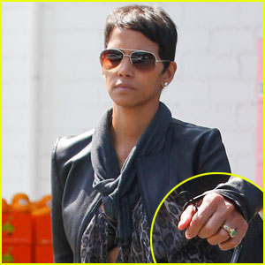 Halle Berry Shows Off Green Engagement Ring