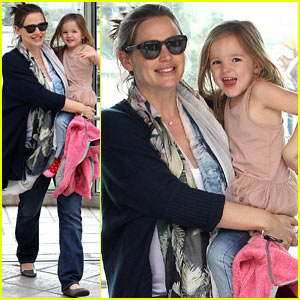 Jennifer Garner &#038; Seraphina: Doctor Visit