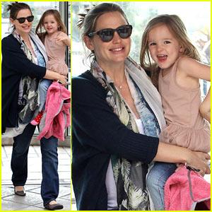 Jennifer Garner & Seraphina: Doctor Visit