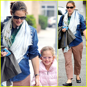 Jennifer Garner & Violet: Saturday Ballet!
