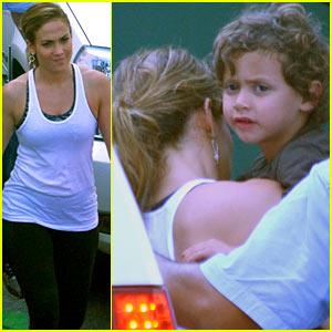 Jennifer Lopez: 'Follow The Leader' Set with Max & Emme!