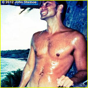 John Stamos Tweets Sexy Shirtless Pic!