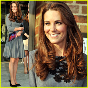 Duchess Kate Supports The Arts!
