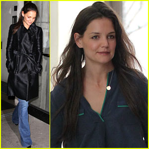 Katie Holmes: 'Evita' On Broadway With Mom Kathleen!