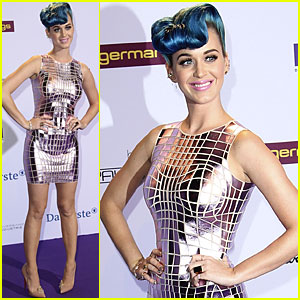 Katy Perry: Echo Awards Red Carpet