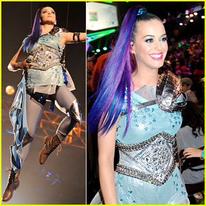 Katy Perry Performs 'Part of Me' at Kids' Choice Awards 2012