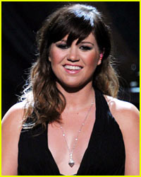 Kelly Clarkson: I Didn't Endorse Ron Paul!