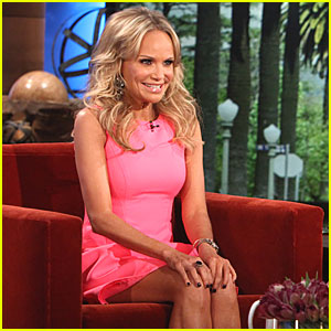 Kristin Chenoweth Reveals Strange Addiction: Hoarding Quarters!
