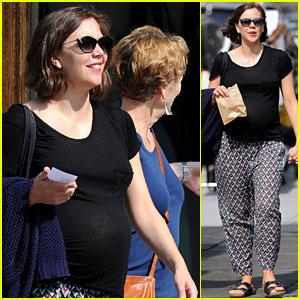 Maggie Gyllenhaal: Bowery Walk With Mom Naomi!