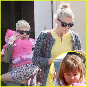 Michelle Williams: M Cafe With Matilda & Busy Philipps