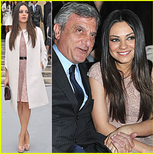 Mila Kunis: Christian Dior Show at Paris Fashion Week!