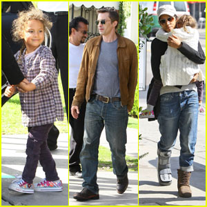 Halle Berry: Lunch with the Family!