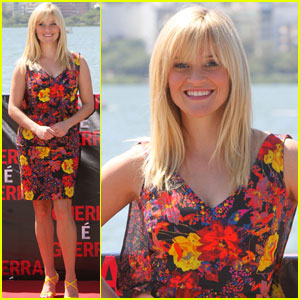Reese Witherspoon: 'War' Photo Call in Rio!